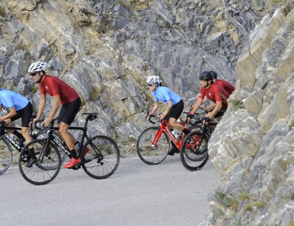 Val_Gardena_Bike_Tour_Cyclists